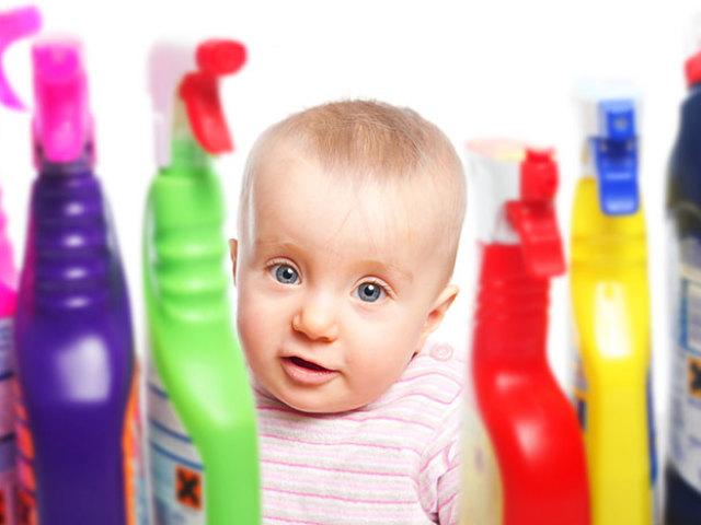 Дитина випила перекис водню, спирт, оцет, гліцерин, ацетон — що робити?