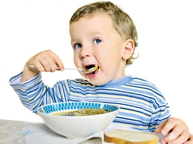 Чим годувати дитину після року? Меню дитини після року: таблиця