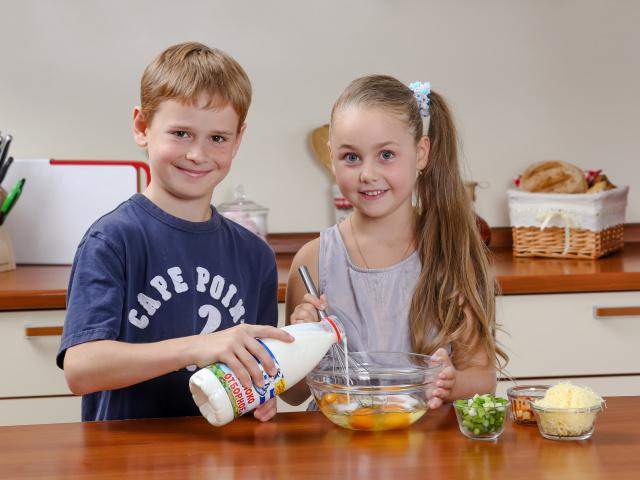 Гра для дівчаток «Готуємо самі» — легкі рецепти простих і смачних страв. Що можна дитині приготувати самому в 8-12 років: рецепти