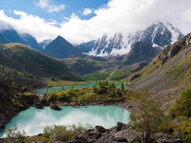 Найкрасивіші місця Росії: 8 найкрасивіших озер Росії, найкрасивіші гори, печерні комплекси, архітектурні пам'ятники і будівлі — які місця варто відвідати у Росії? Дивовижні місця Росії
