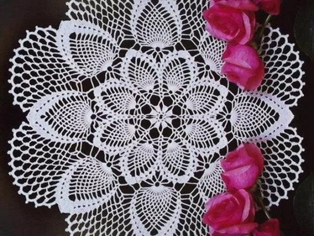 Серветки гачком прості і красиві для початківців зі схемами та описом: ідеї, фото. Як зв'язати серветку гачком ажурну, квадратну, японську, овальну, круглу, прямокутну, новорічну, соняшник, ромашку, у формі сніжинок, фіалку: опис, схеми