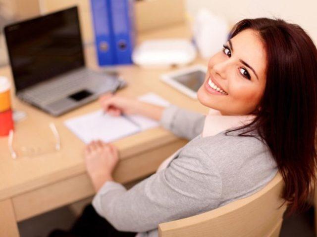 Офіційне працевлаштування, коли твій друг — начальник: переваги і недоліки. Варто рекомендувати для одного пристрою на роботу?