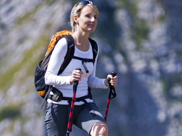 Що таке скандинавська ходьба з палицями? Скандинавська ходьба: техніка, користь, протипоказання