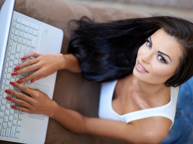 Ігри в ВК з дівчиною по листуванню, в повідомленнях, у чаті: на двох, на кілька людей. Гра «смайлики» ВК з відповідями для дівчини