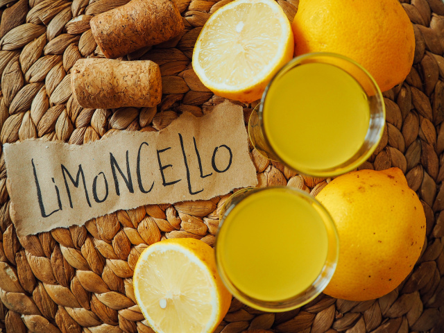 Настоянка «Лімончелло» — рецепти в домашніх умовах: на горілці, на спирту, з самогону, кремовий, швидкого приготування. Скільки градусів має бути в «Limoncello»: як і з чим пити?