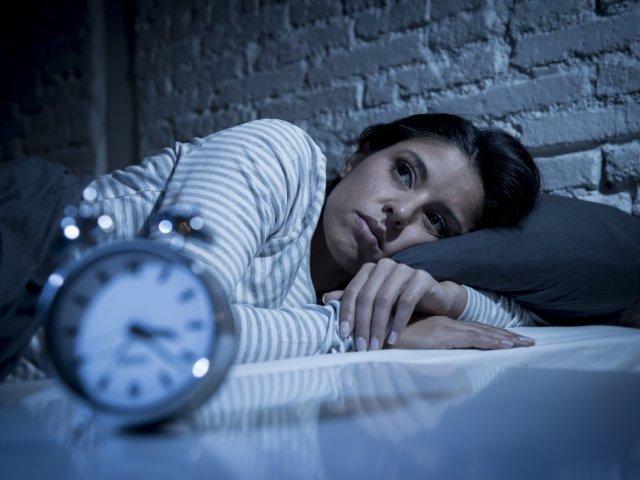 Чому сниться один і той ж людина — можливі причини