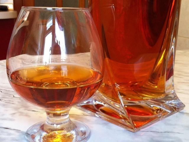 Hennessy — «коньяк» самогону: популярні рецепти приготування