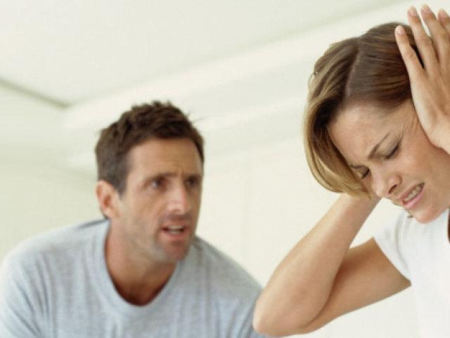 Що таке емоційне насильство і як вона проявляється? Як розпізнати емоційне насильство і боротися з ним?