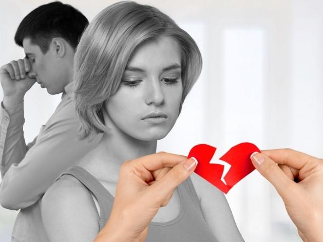Чоловік кинув перед святами — як себе вести? Що робити, якщо розлучилася з чоловіком перед Новим Роком, днем народження, 8 березня?