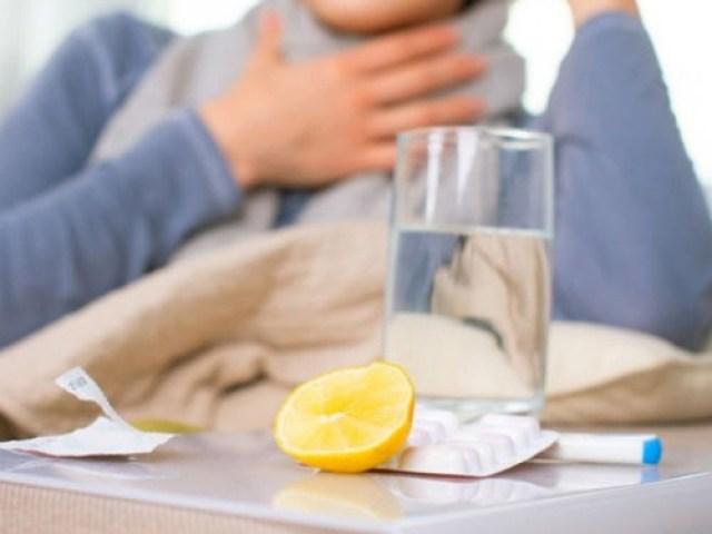Як полоскати хлоргексидином горло при ангіні, тонзиліті, фарингіті, болю в горлі, застуді: інструкція із застосування, дозування при розведенні. Можна хлоргексидином обробляти і полоскати горло дітям, при вагітності? Можна ковтати хлоргексидин
