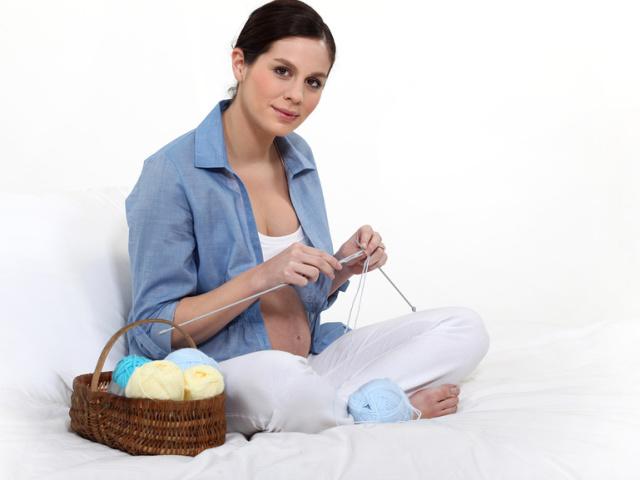Прикмети про вагітних — чи можна шити? Що буде, якщо шити під час вагітності?