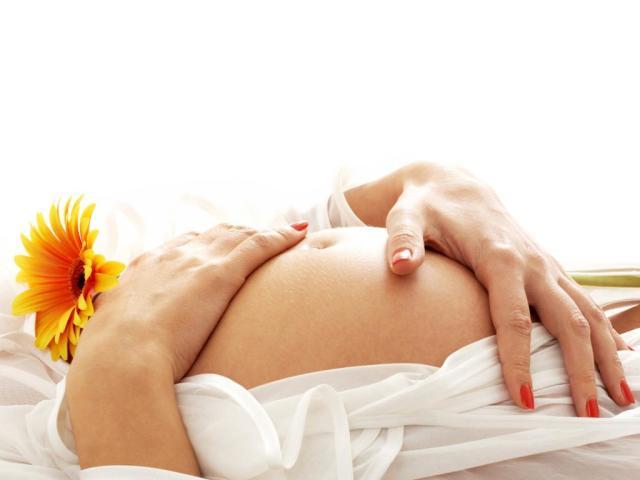 Чи можна вагітним пити харчову соду при печії, кашлі? Чи можна при вагітності полоскати горло харчовою содою і сіллю, робити інгаляції, підмиватися і спринцюватися з содою?