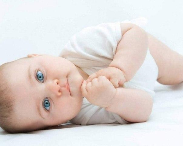 Молочниця у дітей, немовлят і новонароджених у роті мовою: фото, симптоми, причини, діагностика, лікування препаратами і народними засобами, профілактика