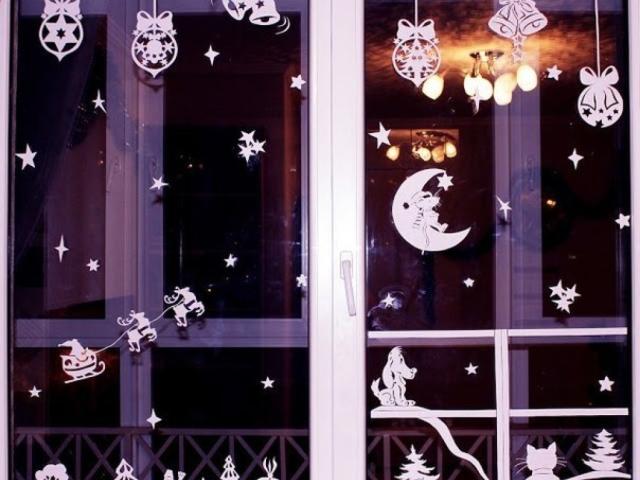 Фігурки звірів, тварин і птахів на вікно з паперу для прикраси вікон до Нового року: роздрукувати і вирізати шаблони і трафарети для наклейки і малювання на вікнах, фото. Олені, зайці, снігурі, Маша і Ведмідь з паперу: трафарети, шаблони, витинанки для но