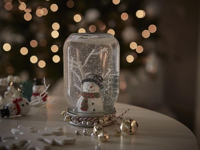 Як зробити новорічний скляний прозорий куля зі снігом і фотографією, фігурками всередині своїми руками: інструкція, ідеї дизайну, фото. Як самому зробити снігова куля з банки з гліцерином і без гліцерину? Як купити заготовку для снігової кулі на Алиэк