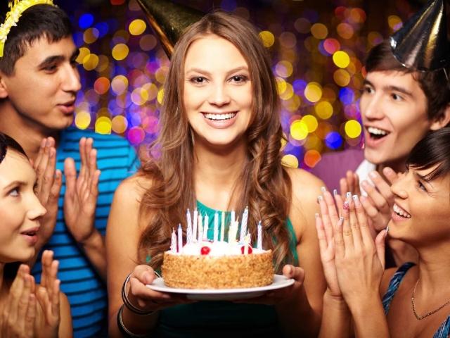 Прикмети, забобони, магія на День народження, пов'язані з подарунками, привітаннями, погодою, збігом зі святами. Що можна і потрібно робити перед Днем народження, в День народження, після Дня народження, а що не можна: прикмети