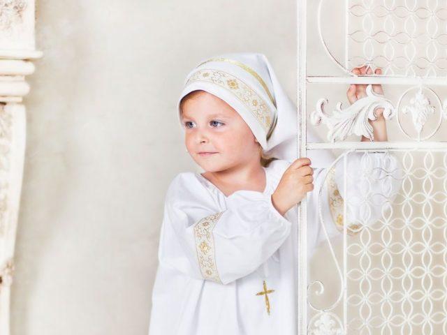Як зшити хрестильницю сорочку на хлопчика? Як зшити хрестильницю сорочку для дівчинки? Приклади готових виробів для дітей