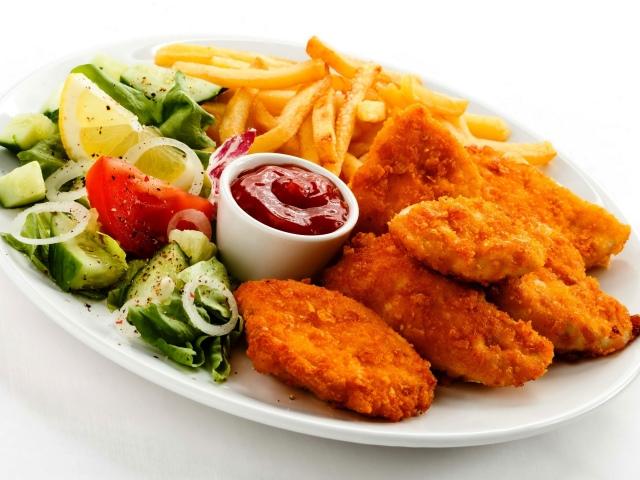 Як приготувати соковиті, хрусткі нагетси в домашніх умовах: кращі рецепти. Як приготувати нагетси з курячого філе і грудки, індички, свинини, фаршу з сиром, риби, овочів? Курячі нагетси як в Макдональдсі, КФС: рецепти