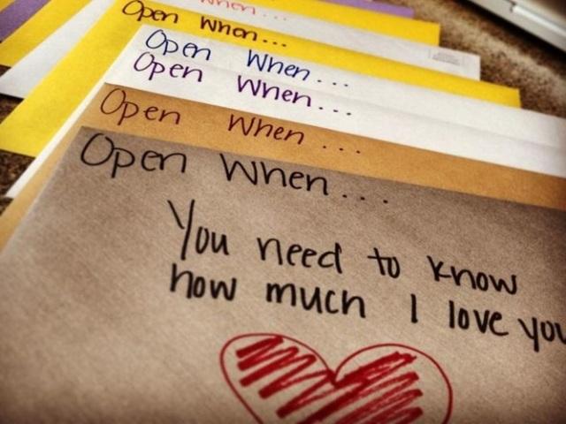Конверт «відкрий коли»: ідеї, трафарети, схема виготовлення, прикраса. Що покласти в конверт «відкрий коли» подрузі, хлопцеві, коханому, що написати на конверті?