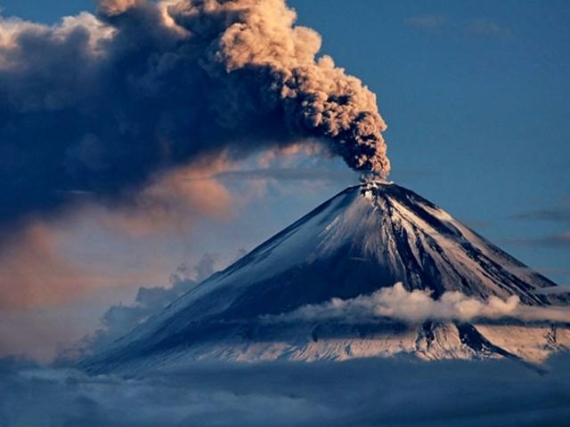 В яких регіонах нашої планети знаходиться найбільше скупчення вулканів, як утворюються вулкани, які бувають, сейсмоактивные зони: короткий опис, фото