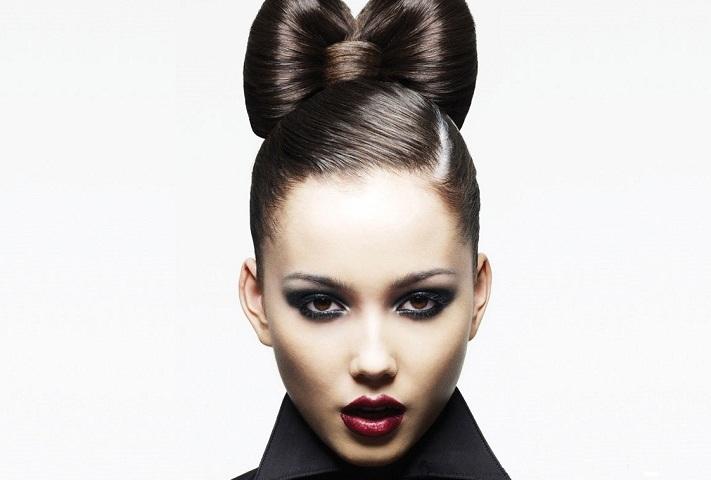 5 способів, як зробити бант з волосся собі: покрокова інструкція. Як зробити Мальвіну, зворотну косу з бантом з волосся? Як прикрасити косу багатьма бантиками з волосся?