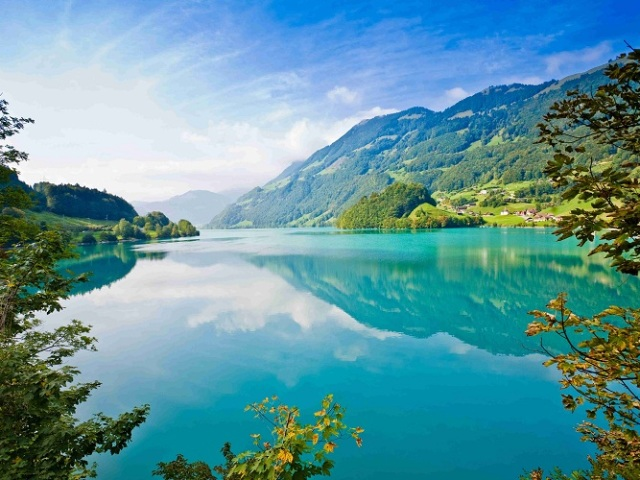 Що означає повноводна річка? Топ-18 самих повноводних річок світу: огляд, фото. Найповноводніша річка світу: коротка характеристика, цікаві факти