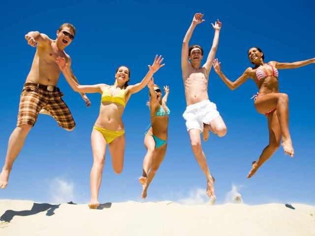 Красиві статуси, цитати, жарти і прикольні фрази про відпустку, відпочинок на море, сонце, пляж: слова