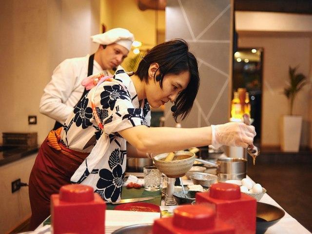 Чому дружина не хоче готувати, прислужувати? Чи повинна дружина готувати, прислужувати чоловікові по Ісламу? Дружина готує напівфабрикати — що робити? Як змусити дружину готувати?