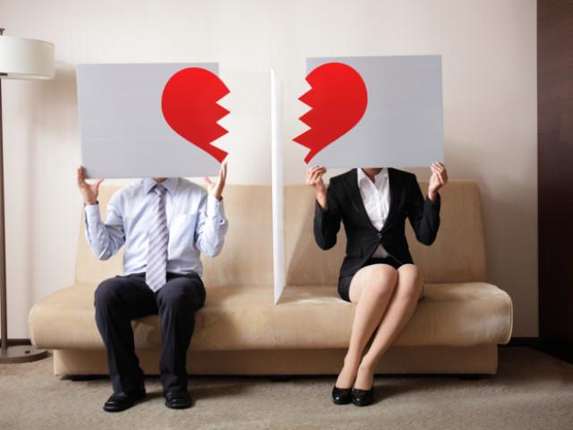 Як пережити важкий розлучення жінці: поради психологів. Що відчуває жінка після розлучення, і як з цим впоратися?