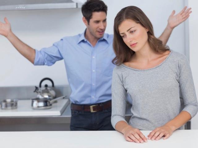 Як провчити чоловіка за неповагу: поради психологів. Варто карати чоловіка? Чоловік не поважає і ображає: що робити?