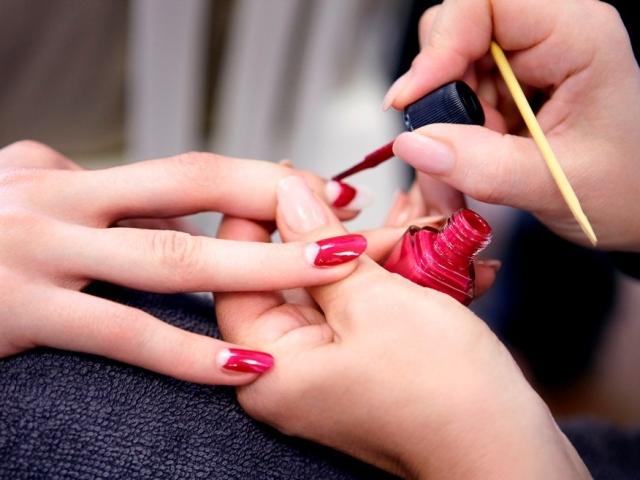 Чому пузириться лак на нігтях: що робити, як прибрати і як уникнути? Як вибрати хороший лак для нігтів?