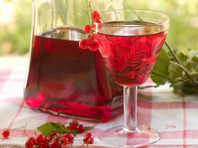 Вино з червоної смородини в домашніх умовах: простий рецепт кріпленого, сухого, столового вина
