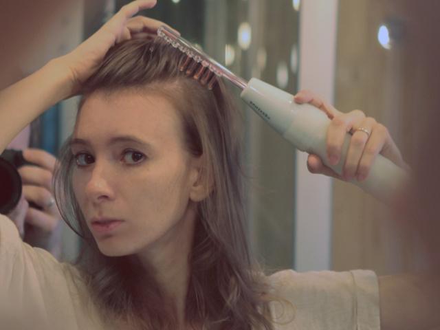 Дарсонваль для волосся. Що таке прилад гребінець Дарсонваль для волосся, як нею користуватися?