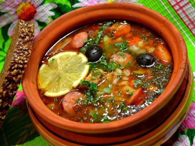 Класичний рецепт збірної м'ясної солянки, з ковбасою, рибою. Як приготувати солянку по-абхазьки? Поради і секрети приготування смачної солянки