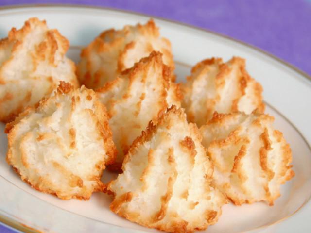 Смачне кокосове печиво «Кокосанка» в домашніх умовах — кращі, прості і покрокові рецепти: з борошном, без муки, за правилами ПП, з сиром, зі згущеним молоком, з маслом, від Калініної Наталії, фото, відео, калорійність, відгуки. Прикраса печива «Коко