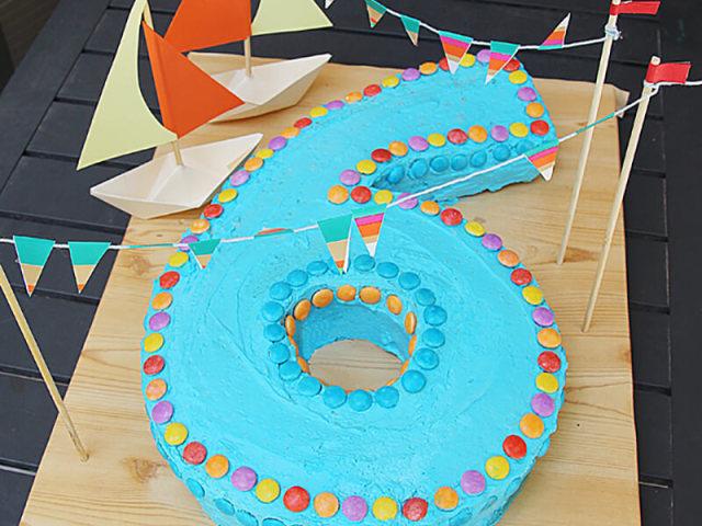 Смачний дитячий торт на 6 років у вигляді цифри 6 своїми руками — на День народження дівчинки, хлопчика, на 6 місяців, з мастикою, без мастики, на річницю весілля, торт 6 яєць, у вигляді букви: покрокові рецепти, фото, відео. Як зробити цифру 6 з бі