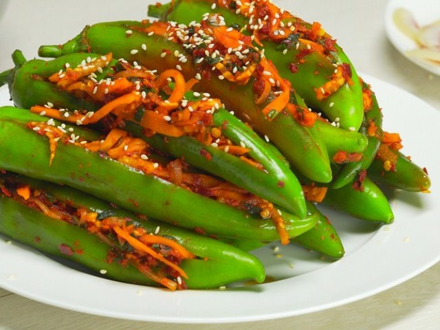 Як приготувати гіркий перець по-корейськи: 2 найкращих рецепти з докладними інгредієнтами — швидкого приготування і на зиму