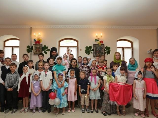 Трійця для дітей: як пояснити дітям суть свята? Сценарій свята Трійці для дітей: пісні, ігри, малюнки, вироби