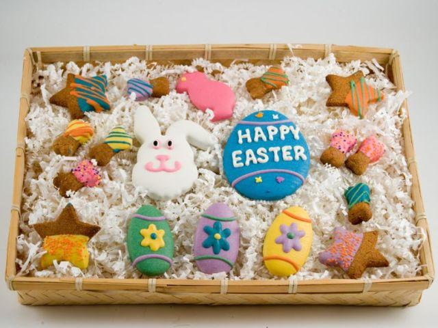 Які подарунки дарують на Великдень: ідеї. Який подарунок зробити на Великдень своїми руками гачком і з цукерок?
