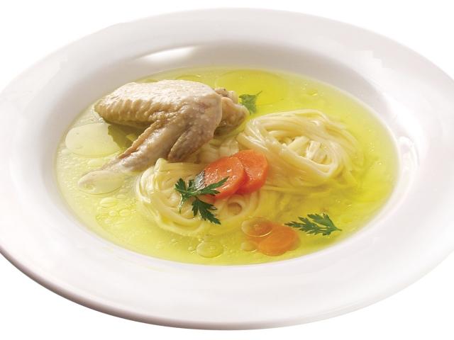 Курячий суп: найкращі рецепти курячого супу з рисом, пшоном, печерицями, яйцем, вермішеллю, картоплею, квасолею. Як приготувати сирний, молочний, східний і дієтичний курячий суп?