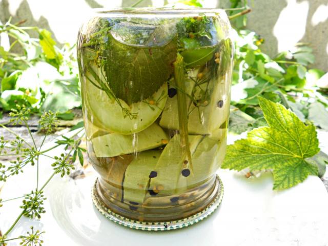 Заготовки з кабачків на зиму: золоті рецепти. Консервування кабачків в літрових банках в томаті, по-корейськи, як огірки, як ананаси