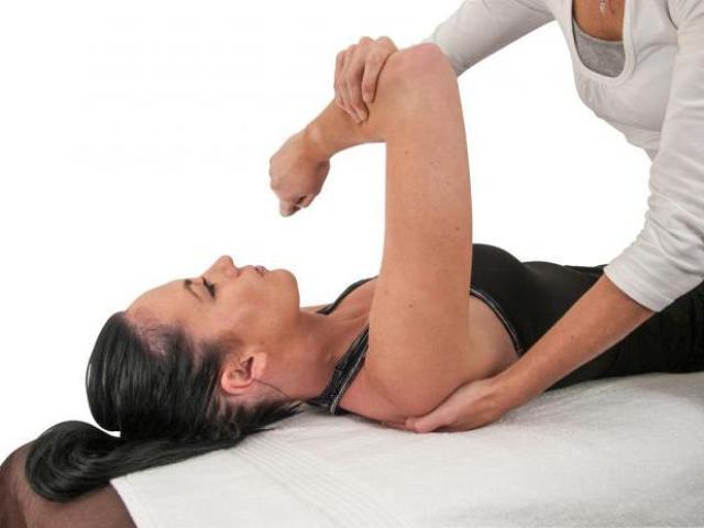 ЛФК плечового суглоба: комплекс вправ. Як правильно робити вправи для плечових суглобів в домашніх умовах?