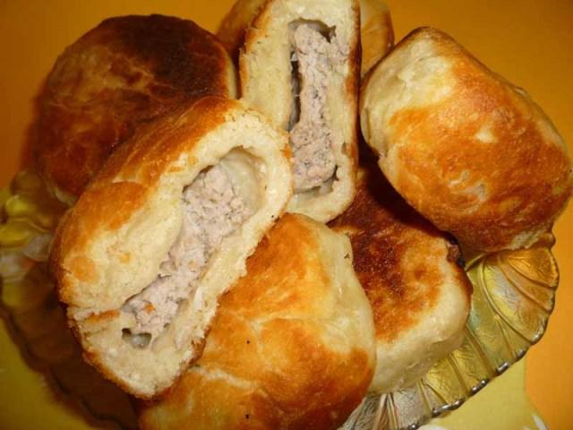 Ледачі біляші: рецепти на кефірі, молоці, сметані. Як приготувати ліниві біляші в духовці з м'ясом?