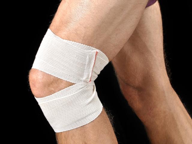 Пошкодження меніска колінного суглоба: причини, симптоми, лікування