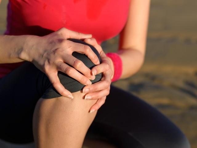 Випіт в суглобі: причини, симптоми, види, способи лікування