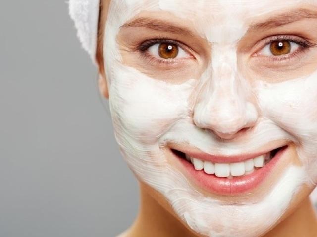 Як очистити і відбілити обличчя від чорних крапок, прищів і пігментних плям харчовою содою в домашніх умовах? Рецепти масок і скрабів очищають, відбілюючих, від прищів з харчовою содою