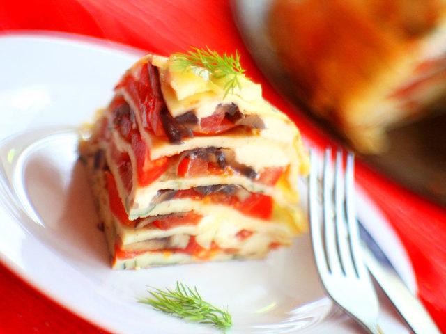 Торт з помідорами і сиром: кабачковий, печінковий, баклажановий — прості рецепти для смачного торта