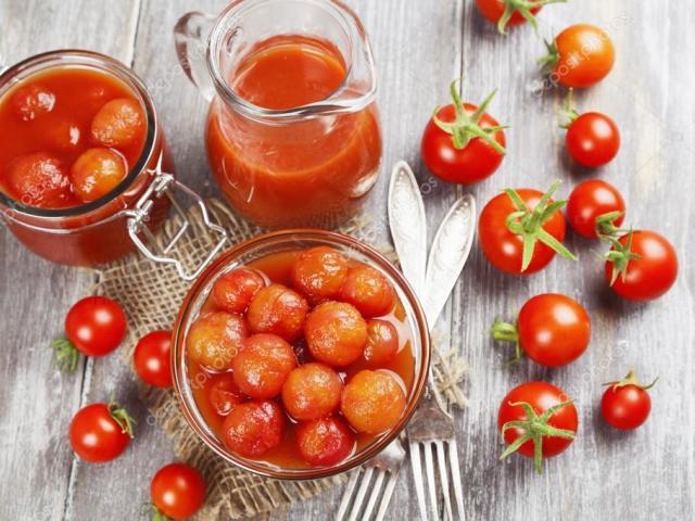 3 найкращі рецепти приготування помідорів в томатному соку, фаршированих пікантною начинкою, бланшованих на зиму