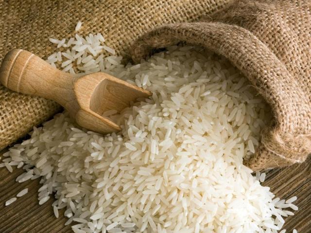 Як варити розсипчастий рис, в яких пропорціях, щоб він не злипався? Як і скільки варити рис: буре коричневий, дикий чорний, червоний рубін, круглий і довгозерний Жасмин, басматі?