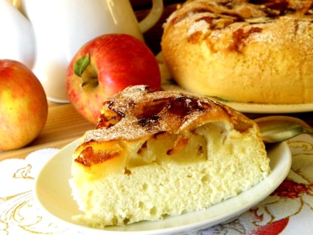 Найсмачніша шарлотка з яблуками по-французьки, по-німецьки, по-російськи: секрети приготування шарлотки. Хто вперше приготував шарлотку?